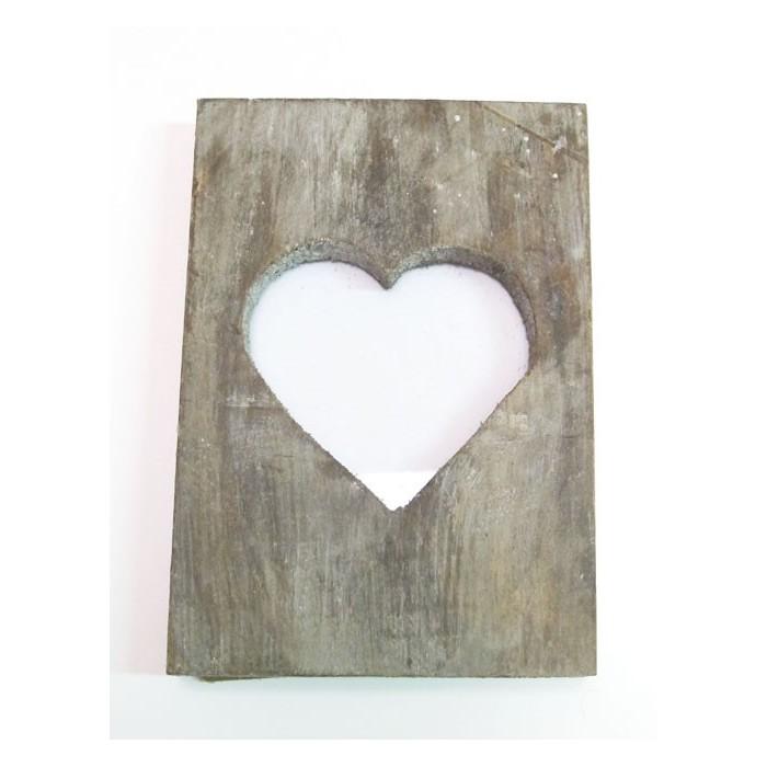 Wooden heart frame in Blaubloom