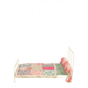 White Metal Bed (Medium)
