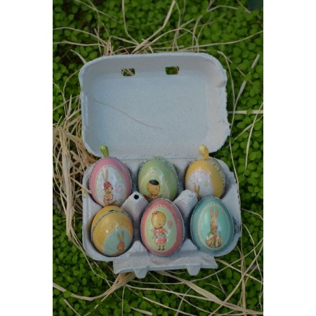 Huevo de Pascua pequeño conejito
