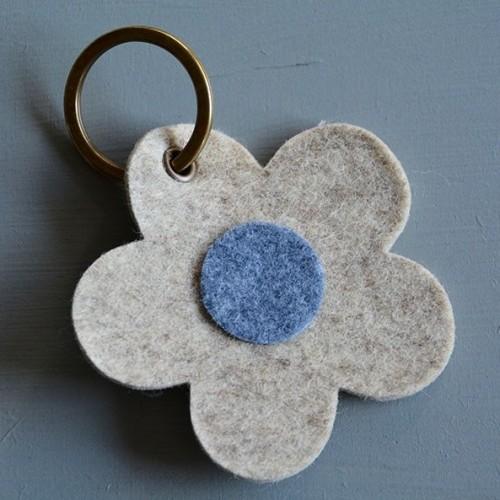 Car/flower felt keychain
