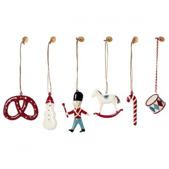6 classic ornaments in box
