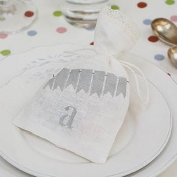 Bolsa de lino blanca cumpleaños personalizada