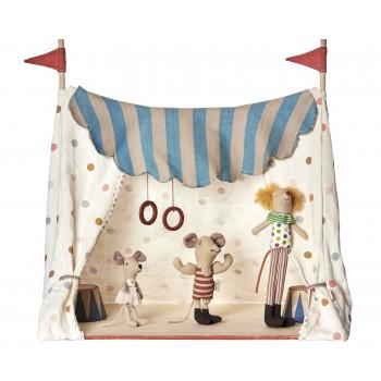 Carpa de circo con ratoncitos