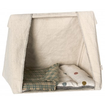 Tent with matresses for mice