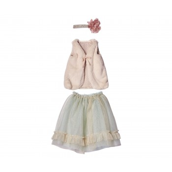 Conjunto falda menta, chaleco rosa (Mega).