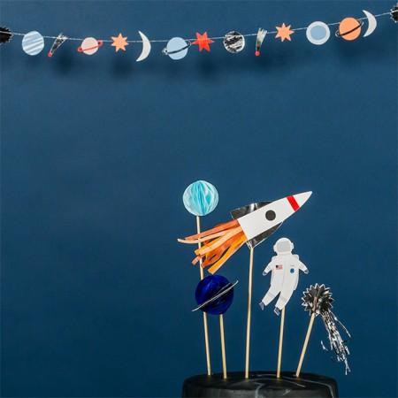 To The moon mini garland