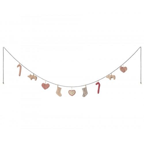 Christmas garland, large - 170 cm - 9 ornaments