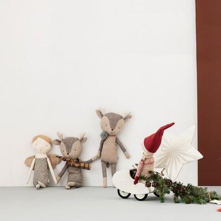 Winter friends, Reindeer, Girl