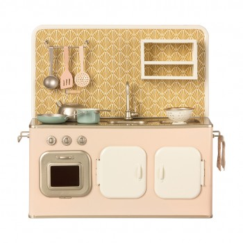 Cocina de metal rosa