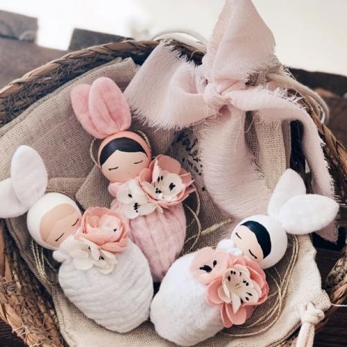 Collar Conejita Fleur Pelo Marrón - Saco Blanco
