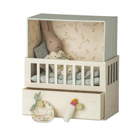 Baby Room with Rabbit - Micro
