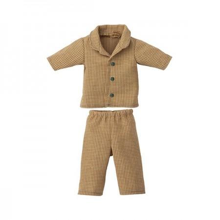 Pyjamas for Teddy - Dad