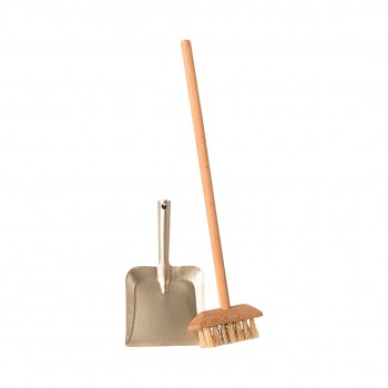 Miniature broom set