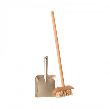 Miniature broom set