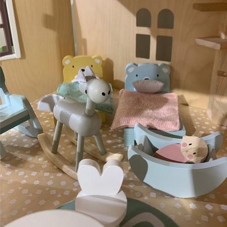 Dolls House - Childrens Room Furniture