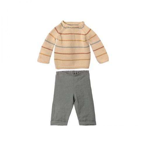 Pantalones y Jersey- T5