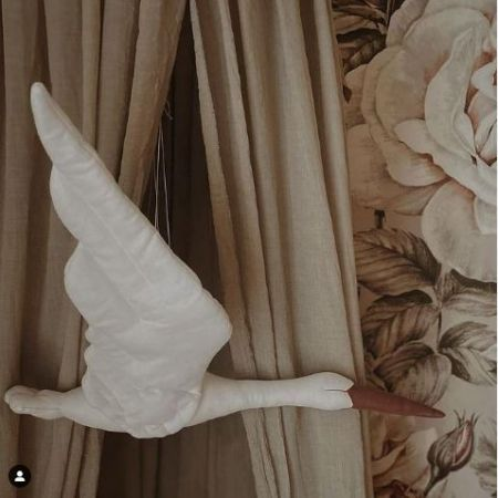 Linen Stork - White