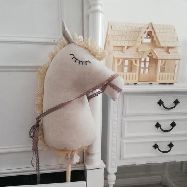 Happy Horse - Linen