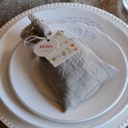 Customized linen candy favor bag. Garland