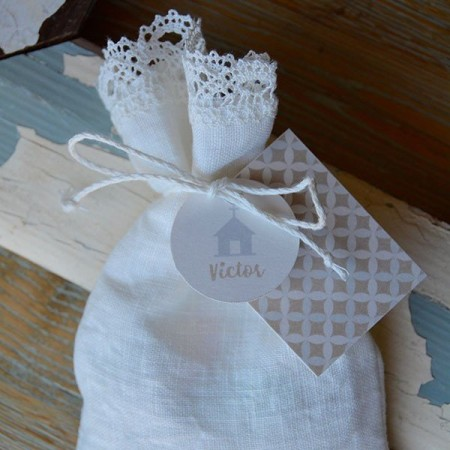 Customized linen candy favor bag. Shapes.