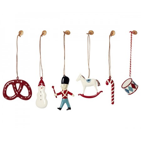 6 classic ornaments in box