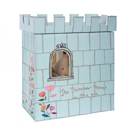Ratoncita princesa y  el guisante en su castillo