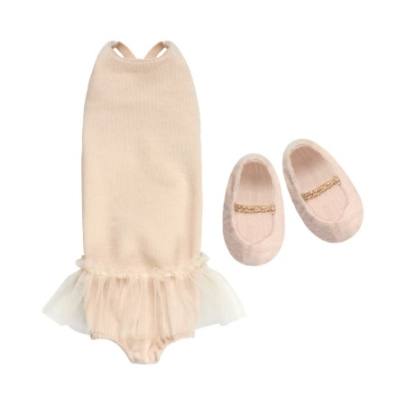 Medium, Ballerina suit