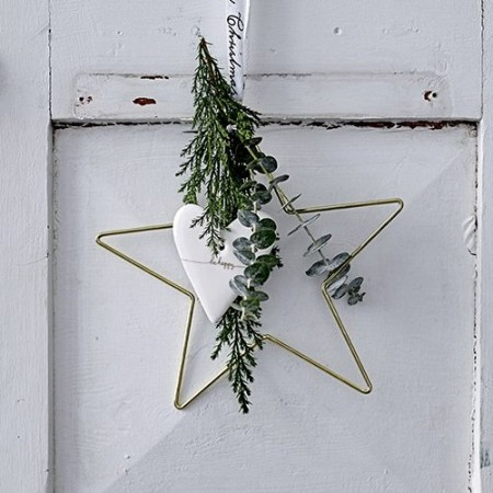 Ornament gold metal star