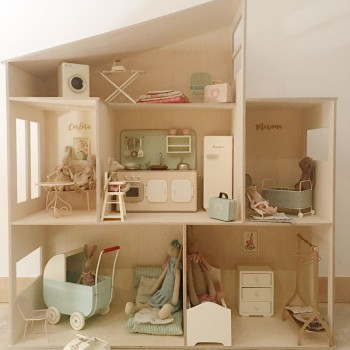 Casa de madera para peluches Maileg