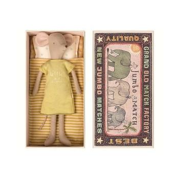 Mouse in box, medium girl